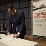 Paulo Câmara sanciona lei para implantação de Programa de Integridade